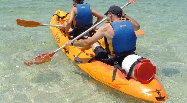 kayak pareja menorca