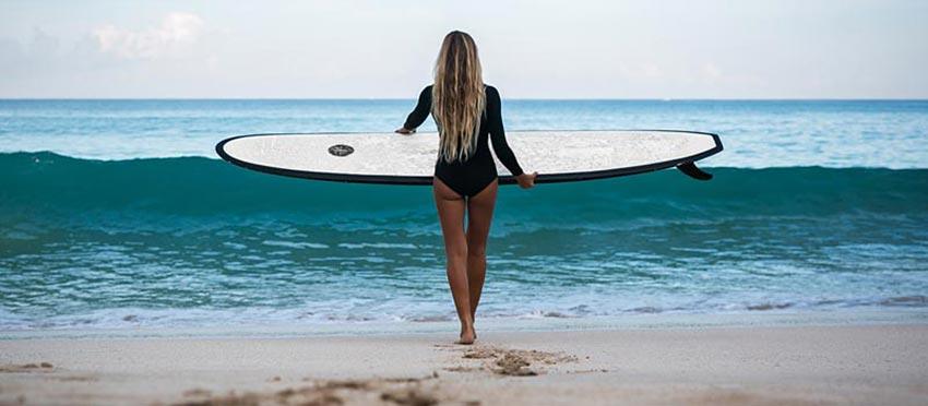 ¿Dónde se puede hacer surf en Mallorca?